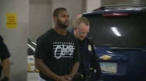 Excorredor de la NFL es acusado de violencia doméstica